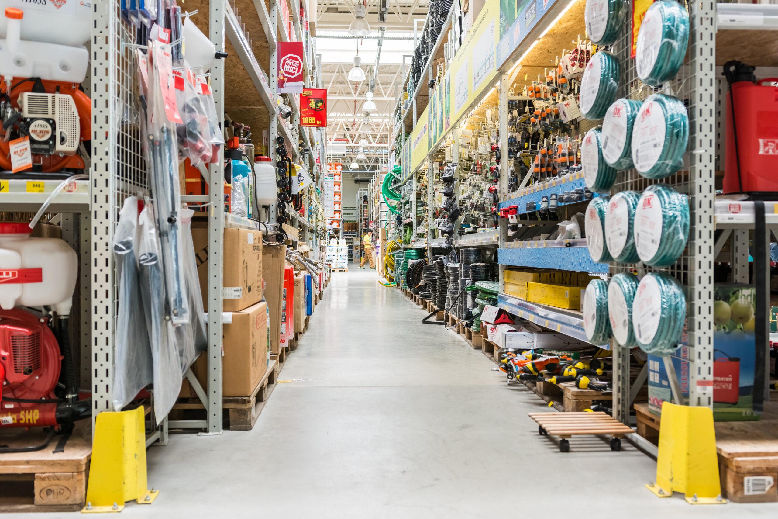 Heimwerker, DIYler, Hobby-Schreiner und Bastler: Deutschland ist gefüllt von Tüftlern. Am wichtigsten sind für sie die Baumärkte. Hier finden sie jegliches Material und Inspiration für ihre Projekte. Doch wo stehen Deutschlands Baumärkte wie Obi, Toom oder Hornbach in der Digitalisierung und in der Datenökonomie? Eine Bestandsaufnahme.